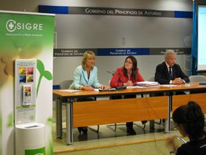 La Directora General de Agua y Calidad Ambiental, La Presidenta del Colegio de Farmacéuticos de Asturias y el Director General de SIGRE presentaron los resultados de SIGRE en esta Comunidad