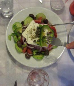Es aconsejable cenar una comida ligera